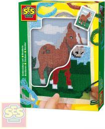 SES CREATIVE Dečka dětská vyšívací Kůň set s bavlkami malá švadlenka - zvětšit obrázek